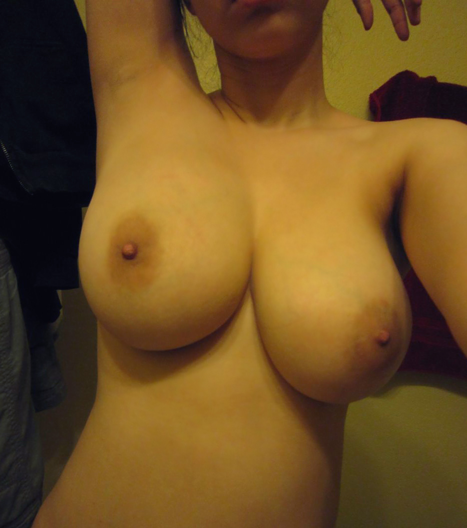 big natural breasts selfie